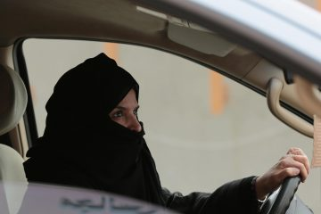 საუდის არაბეთში ქალებს ავტომობილის მართვის უფლება მიეცათ