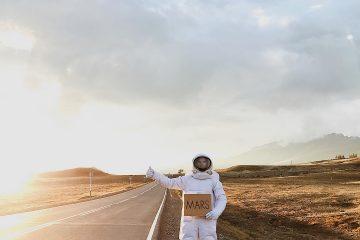 კოსმონავტის მოგზაურობა დედამიწაზე
