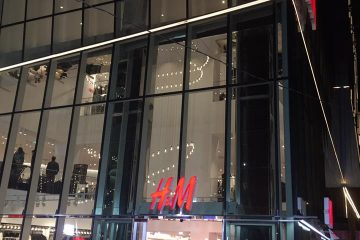 """""""როგორ გამოეხმაურებოდნენ H&M-ის გახსნას გამსახურდია, შევარდნაძე, სააკაშვილი, ღარიბაშვილი…"""""""