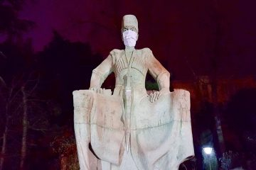 """თბილისში ძეგლები """"შეინიღბნენ"""""""