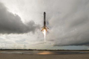 """SpaceX """"ზესაიდუმლო"""" თანამგზავრი Zuma ორბიტაზე გაუშვა (ვიდეო)"""
