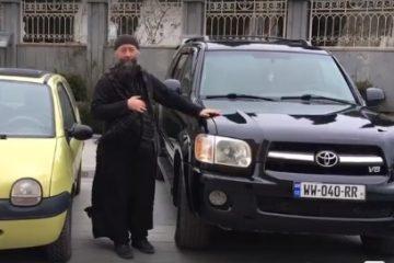 მღვდელი: ვყიდი ნაჩუქარ ჯიპს, რათა თანხა ეკლესიების მშენებლობას და გაჭირვებულებს მოვახმარო (ვიდეო)
