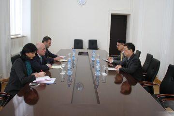 დავით ზალკალიანი საქართველოში ჩინეთის სახალხო რესპუბლიკის ელჩს ძი იენჩის შეხვდა