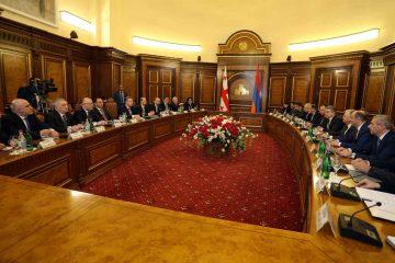პრემიერ-მინისტრების გაფართოებული შეხვედრა საქართველო-სომხეთის მთავრობის წევრების მონაწილეობით