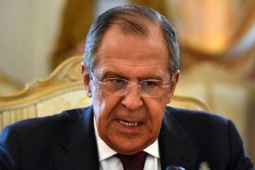 რუსეთი აშშ-ს 60 დიპლომატს აძევებს