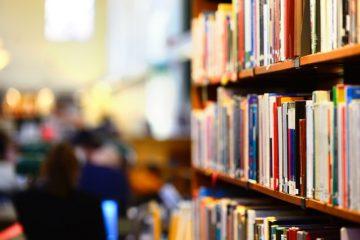 ბიბლიოთეკების გაერთიანების საინიციატივო ჯგუფი დირექტორს უპირისპირდება