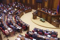 სომხეთის პარლამენტში პრემიერ-მინისტრის არჩევის საკითხს განიხილავენ