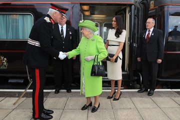 დედოფალი ელისაბედ II და მეგან მარკლი ოფიციალური ვიზიტით ჩეშირის საგრაფოს ესტუმრნენ (ვიდეო)