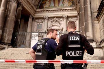 ბერლინის საკათედრო ტაძარში პოლიციელმა ცეცხლი გახსნა