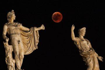 """27 ივლისს მსოფლიომ ყველაზე """"სისხლიანი მთვარე"""" იხილა"""
