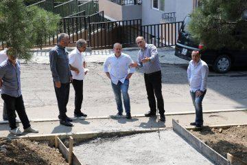 ირაკლი აბუსერიძემ ვარკეთილსა და ვაზისუბანში მიმდინარე ინფრასტრუქტურული პროექტები მოინახულა