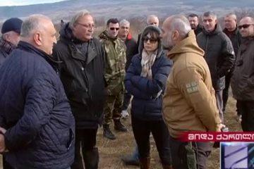"""""""რუსულ ოკუპაციის წინააღმდეგ ბრძოლა არ არის მარტო ამ ორგანიზაციის საქმე"""" – გრიგოლ ვაშაძე სოფელ ატოცში ჩავიდა"""