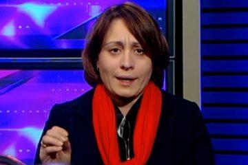 """""""მინისტრი უნდა წავიდეს"""" – ელენე ხოშტარია დირექტორების დევნაზე პასუხისმგებლობას განათლების მინისტრს აკისრებს"""