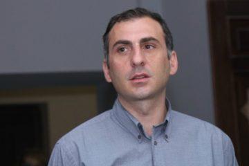 """ალეკო ელისაშვილი """"ყაზტრანსგაზის"""" დირექტორის გადადგომას ითხოვს და აქციას აანონსებს"""