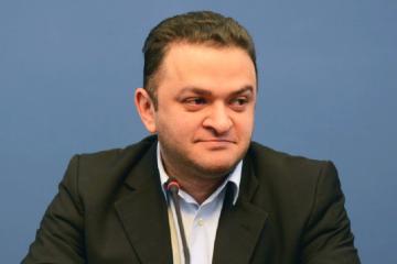 """""""ქართულმა ოცნებამ"""" იურიდიული კომიტეტიდან გედევან ფოფხაძის გაწვევის გადაწყვეტილება მიიღო"""