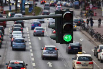 ავტომობილების სავალდებულო დაზღვევა – ოპოზიცია ფინანსურ რისკებზე საუბრობს