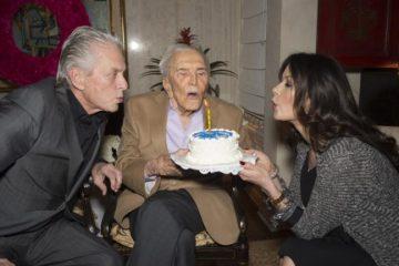 კირკ დუგლასს 103 წელი შეუსრულდა