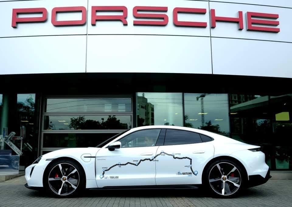 Porsche-ს პირველმა ელექტრო ავტომობილმა Taycan-მა, თბილისი ბათუმის გზა ერთი დამუხტვით გაიარა