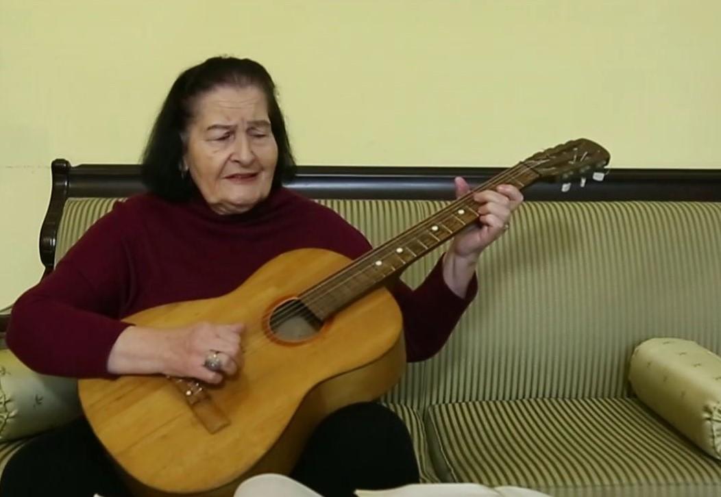 """"""" მარტო ეს ერთი სიმღერა """"ფიფქებო"""" რომ დაწერა, უკვე უკვდავია მისი სახელი"""" – გიული დარახველიძე 88 წლის ასაკში გარდაიცვალა"""