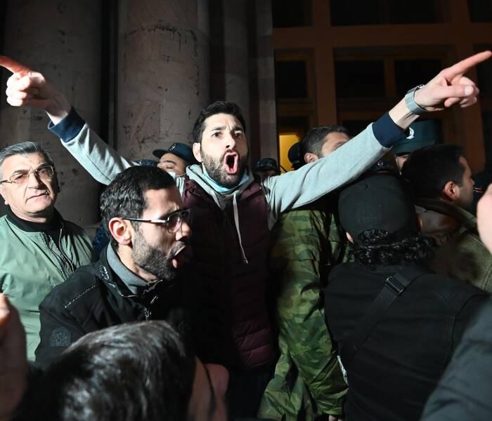 საპროტესტო აქციაზე, ერევანში, პოლიციამ 62 ადამიანი დააკავა