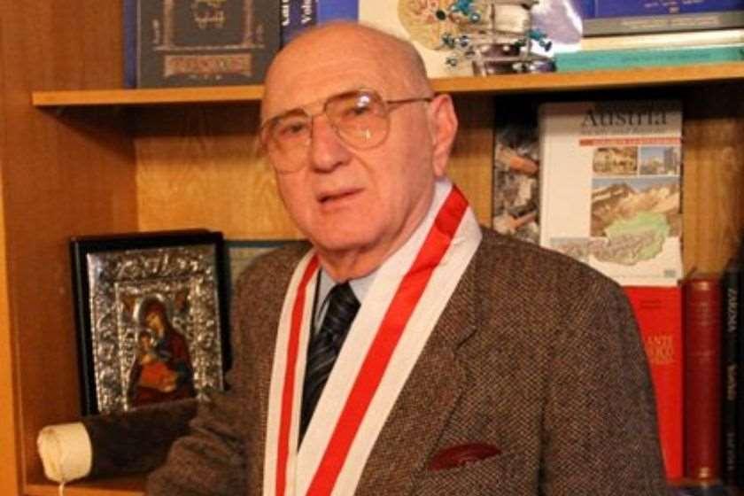 აკადემიკოსი თამაზ გამყრელიძე 92 წლის ასაკში გარდაიცვალა