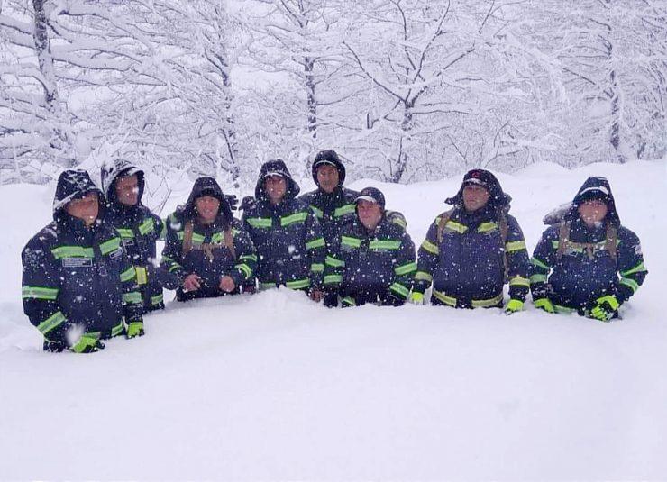 მაშველების ჯგუფის ფოტო, რომელიც გომის მთის სამაშველო-სამძებრო ოპერაციაში იყო ჩართული