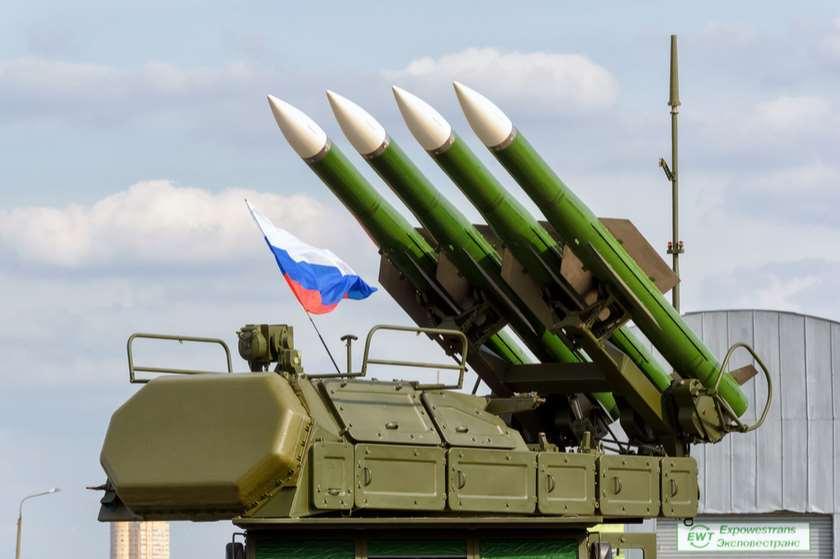 რუსეთი უკრაინის საზღვრიდან ჯარებს მუდმივი დისლოცირების ადგილზე აბრუნებს