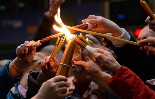 იერუსალიმიდან წმინდა ცეცხლი სპეციალური რეისით ჩამოიტანეს