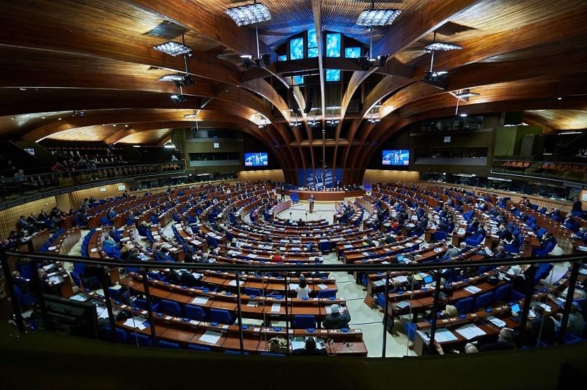 სანამ ადამიანის უფლებათა ევროპული სასამართლო განიხილავს საქმეს, სააკაშვილი უნდა გათავისუფლდეს ციხიდან