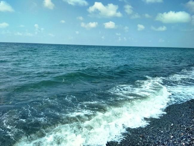 ბათუმში ზღვაში არასრულწლოვანს ეძებენ. თვითმხილველების თქმით, ზღვაში არასრულწლოვანი ბიჭი გაუჩინარდა