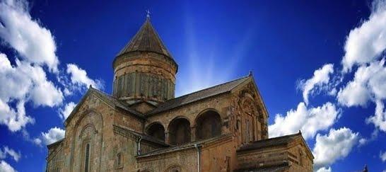 დღეს სვეტიცხოვლის საკათედრო ტაძარში ჩატარებულ წირვაზე ქართულთან ერთად რუსული ენაც ისმოდა