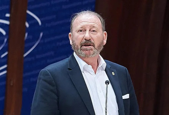 ევროპული საბჭოს საპარლამენტო ასამბლეის პრეზიდენტი საკანონმდებლო ორგანოში კახა კუჭავას ხვდება