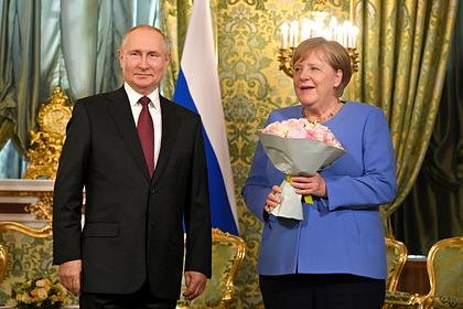 კრემლში, გერმანიის კანცლერისა და რუსეთის პრეზიდენტის შეხვედრა იმართება