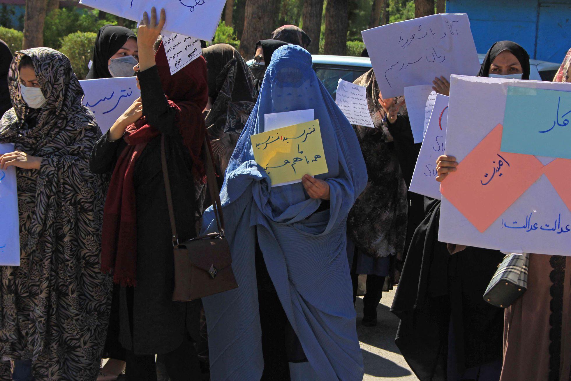 ქალაქ ჰერათში 30-მდე ქალმა უფლებების დაცვის მოთხოვნით აქცია მოაწყო