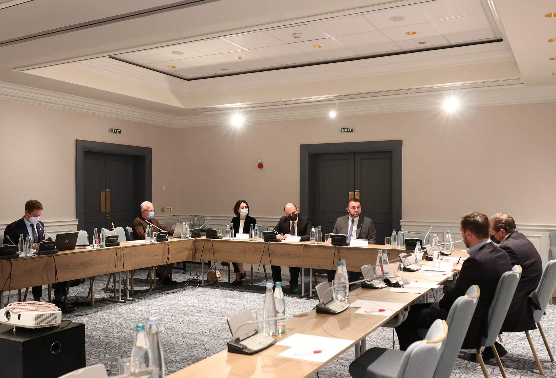 ცესკოს თავმჯდომარე ეროვნულ-დემოკრატიული ინსტიტუტისა (NDI) და საერთაშორისო რესპუბლიკური ინსტიტუტის (IRI) წარმომადგენლებს შეხვდა